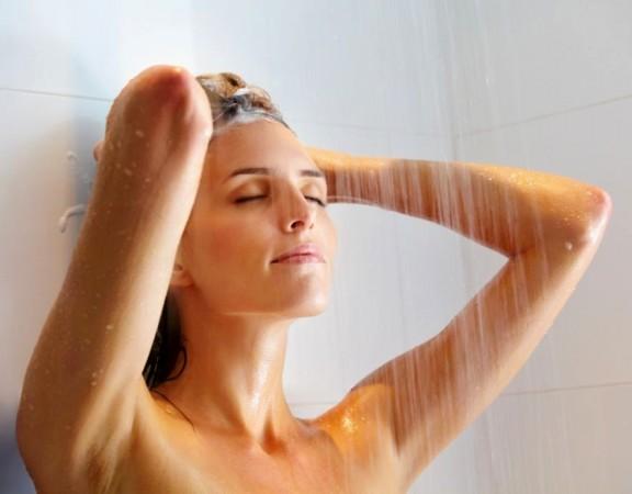 caderno-mulher-banho-quente-ou-banho-frio